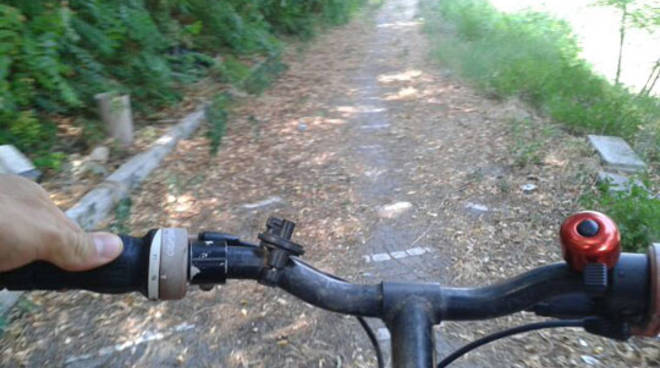 Slalom in bicicletta