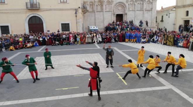 Il Palio dei Rioni - Un tuffo nel Medioevo