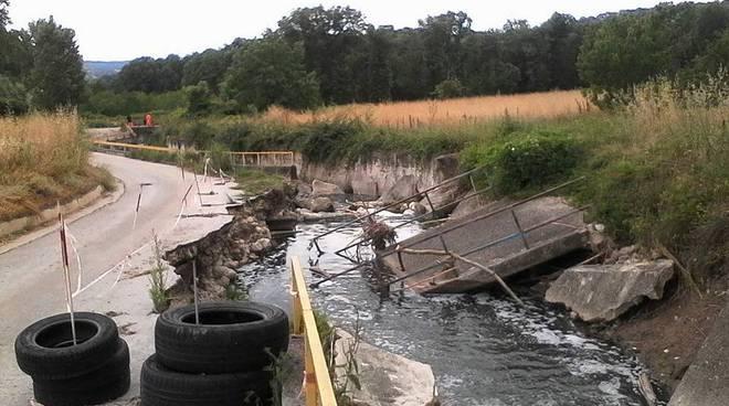 ponte crollato colle calcare