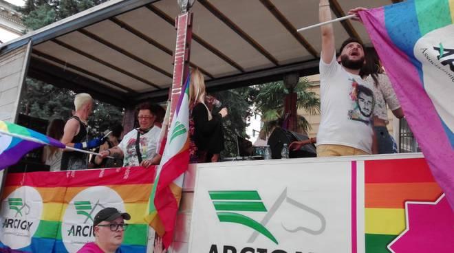 molise-pride-nella-sfilata-di-campobasso-133645