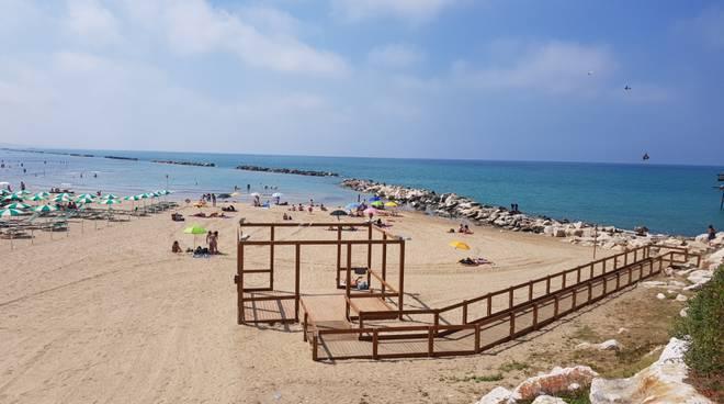 spiagge-affollate-bagnanti-131760