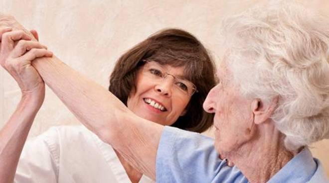 lavoratrice e anziana