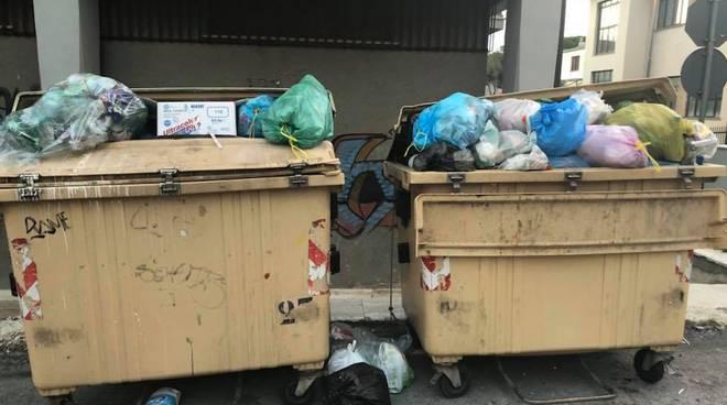cassonetti immondizia pieni a Campobasso