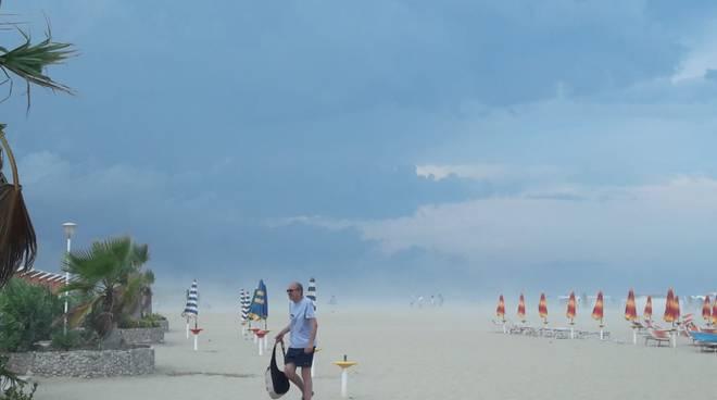 maltempo spiaggia petacciato