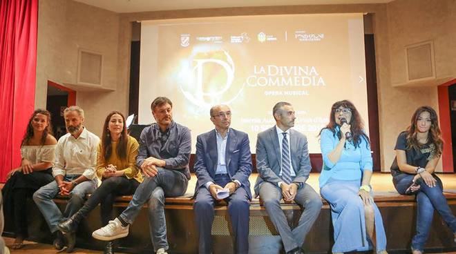 Presentazione opera La Divina Commedia