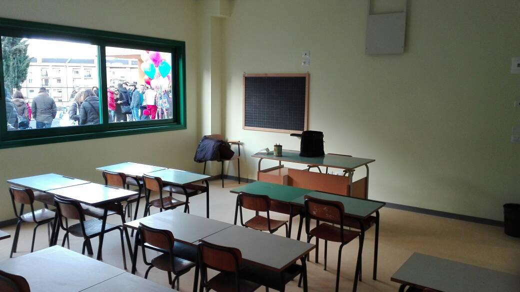 banchi scuola via berlinguer Campobasso