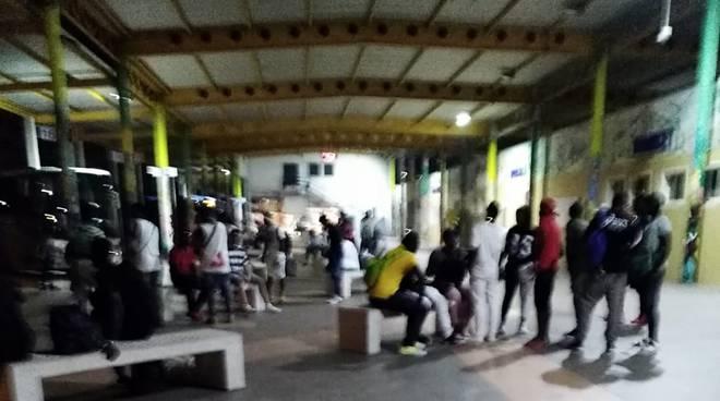 migranti terminal termoli