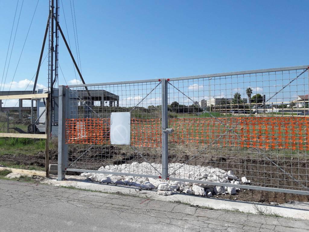 Demolizione rudere via Elba