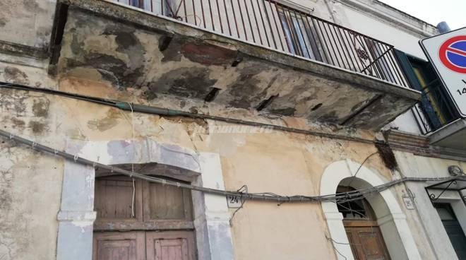 palazzo-pericolante-136382