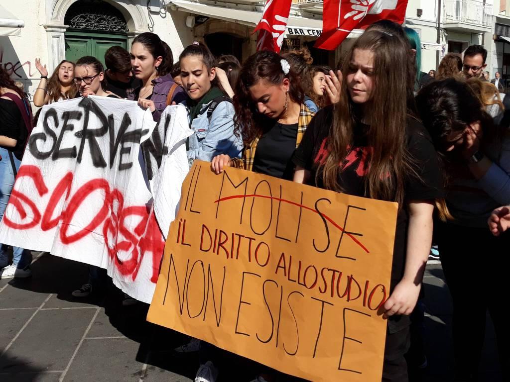 manifestazione studenti Campobasso