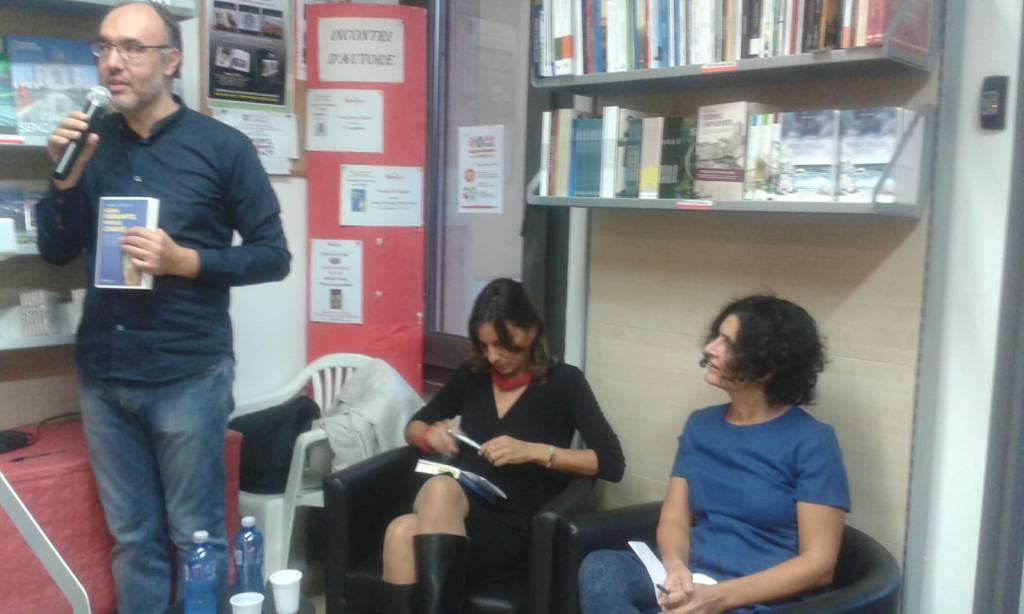 presentazione Elena Ferrante. parole chiave