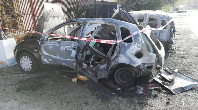 incendio-auto-via-pertini-137953