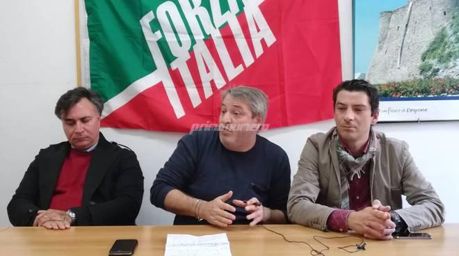 conferenza-forza-italia-140240
