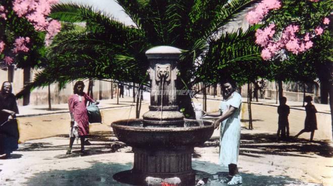 la-fontana-di-piazza-regina-elena-a-termoli-140030
