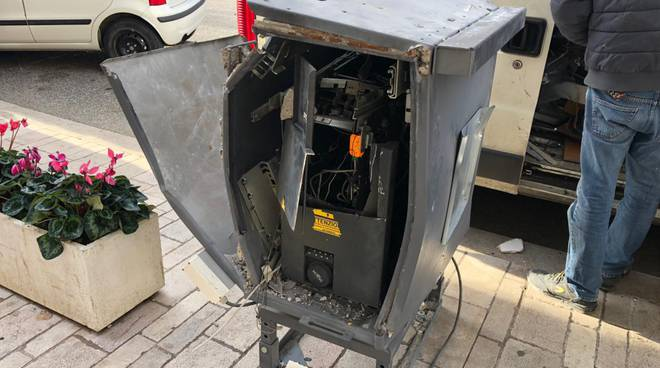 bancomat-esploso-guglionesi-141919