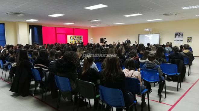convegno-liceo-artistico-su-violenza-di-genere-141012