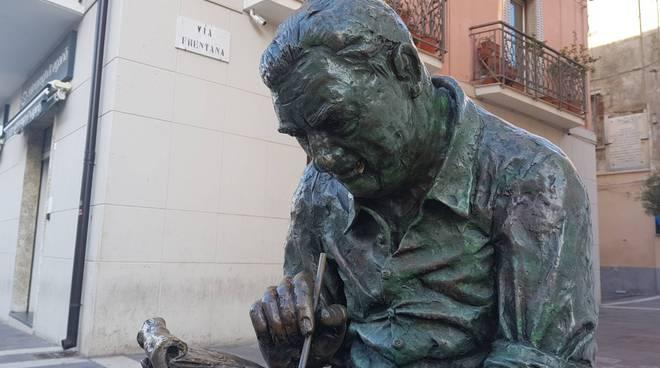 iacovitti-statua-rotta-142421