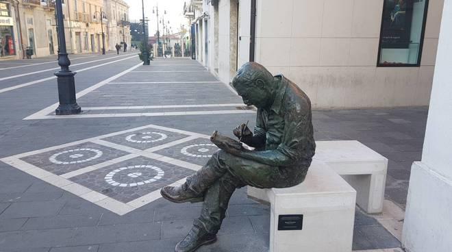 iacovitti-statua-rotta-142422