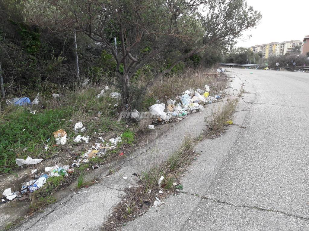 Immondizia via pertini autostrada
