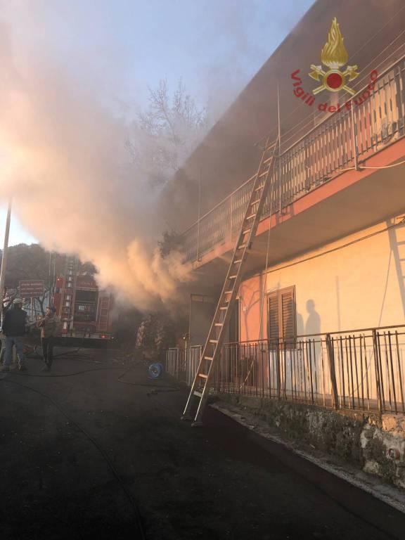 incendio garage sesto campano