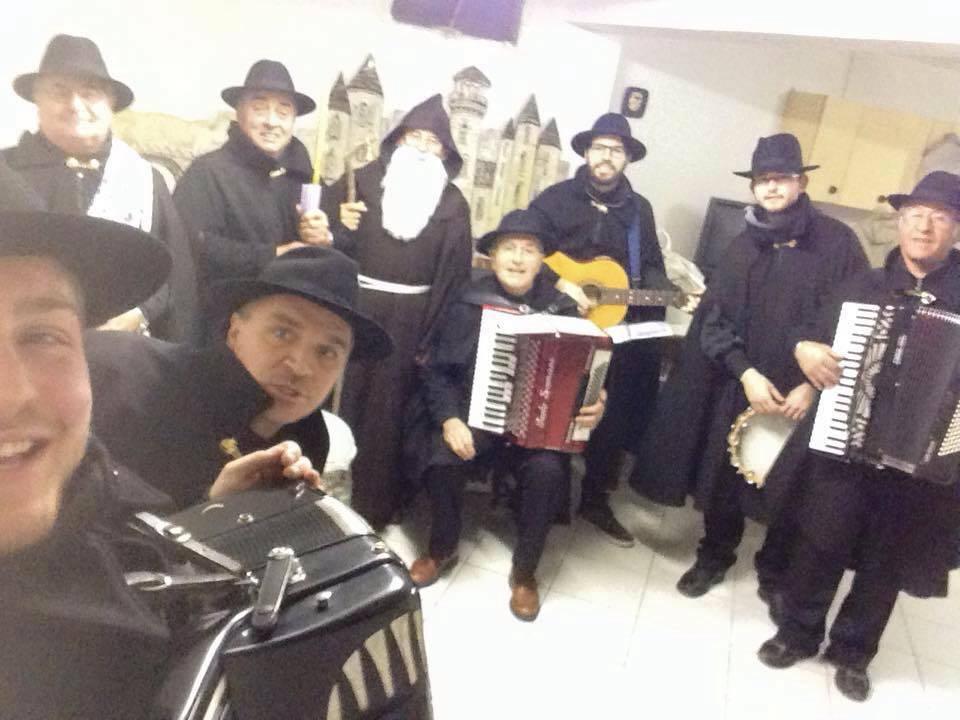 Gruppo folkloristico Tradizioni amiche
