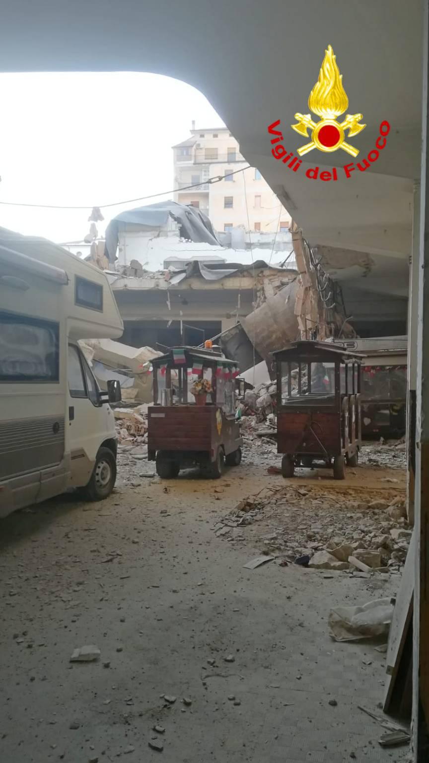 crollo vecchio deposito Enel Campobasso