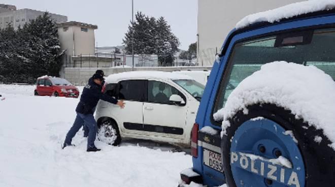 polizia-neve-cb-142858