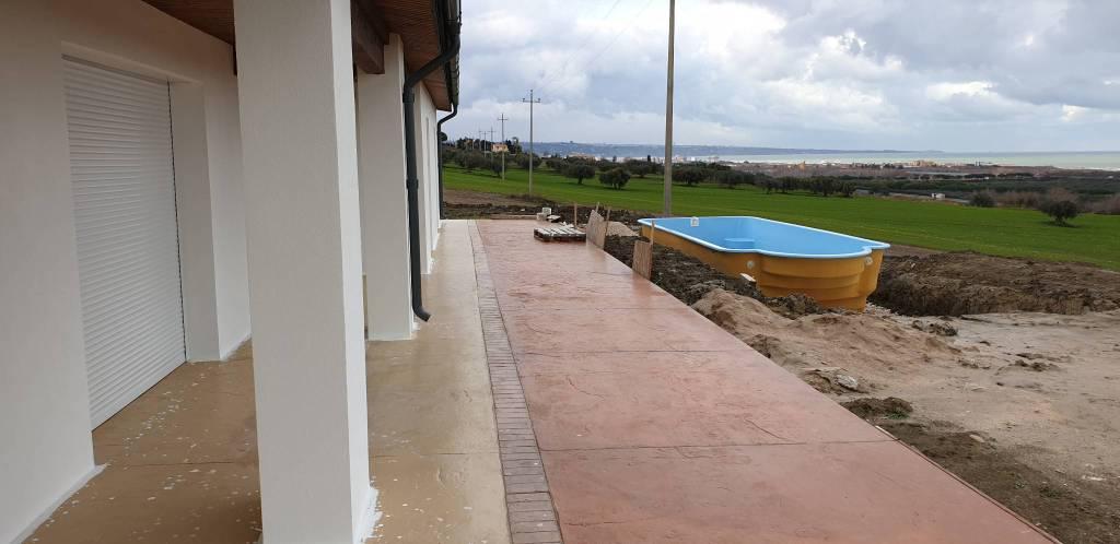 villa-abusiva-montenero-con-piscina-143131