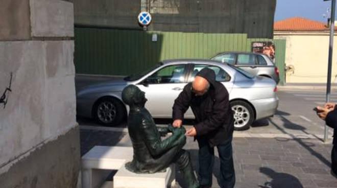 de-lena-statua-145236