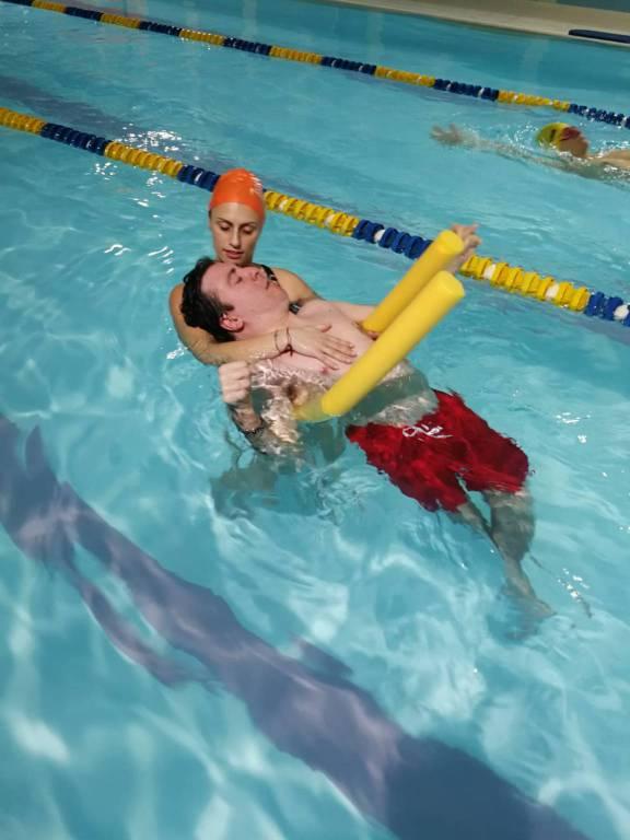 Utenti de Il Melograno in piscina