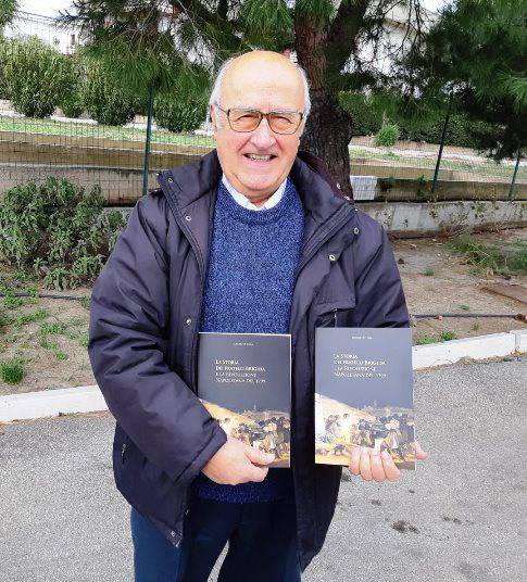 Oscar De Lena con libro su f.lli Brigida