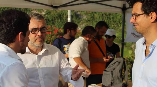 De Chirico, Fontana, Greco M5S