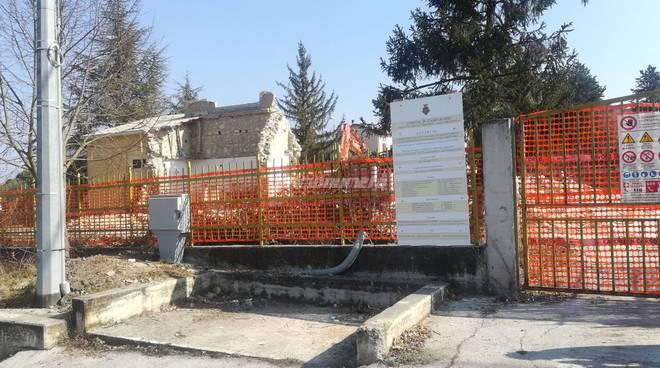 demolizione scuola Mascione