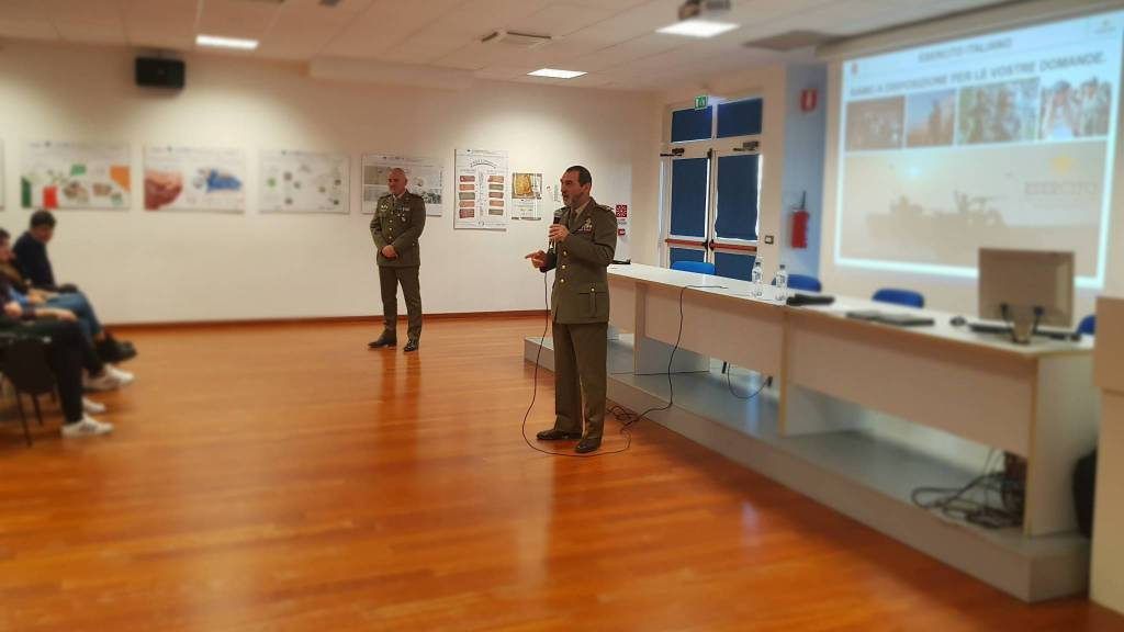 [Molise] L'Esercito incontra gli studenti degli istituti superiori della regione