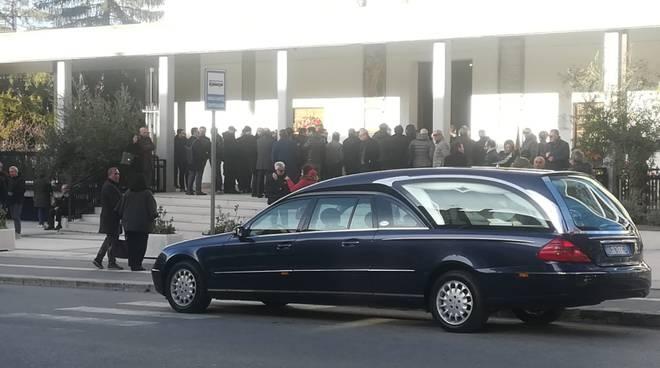 funerali roberto
