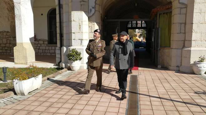 Ortis visita esercito