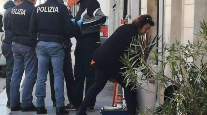 Scientifica polizia raid