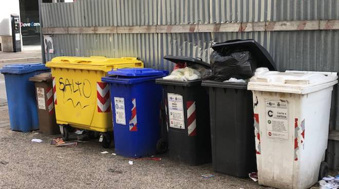 Varie rifiuti e differenziata Termoli