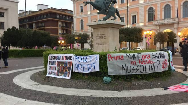 la-protesta-anti-salvini-a-campobasso-150196
