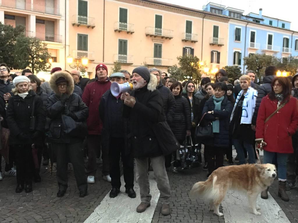 la-protesta-anti-salvini-a-campobasso-150197
