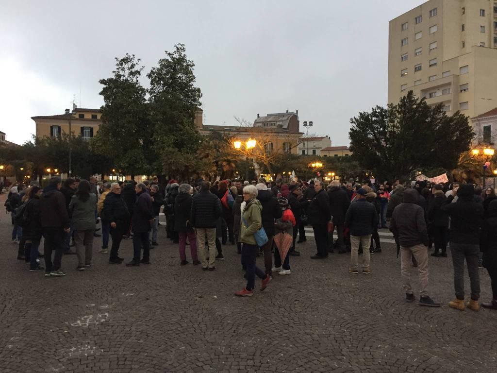 la-protesta-anti-salvini-a-campobasso-150201