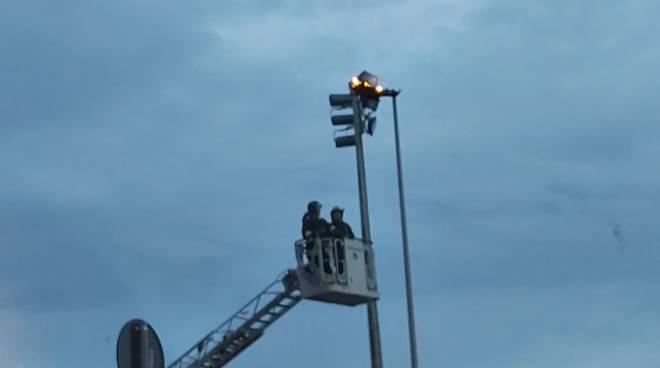 lampione-a-fuoco-151109