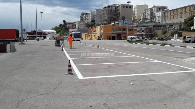 Strisce e parcheggi porto