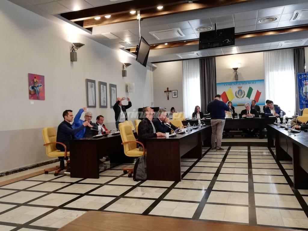 ultimo-consiglio-comunale-sbrocca-149190