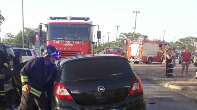 auto-a-fuoco-152363