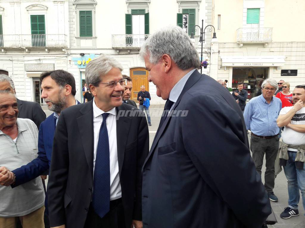 Gentiloni comizio Sbrocca