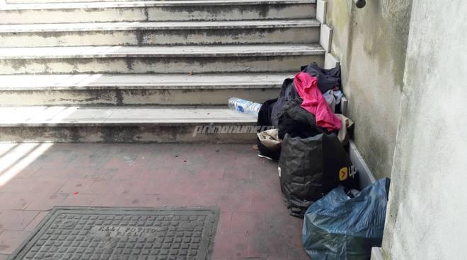 Immondizia sottopasso Petacciato