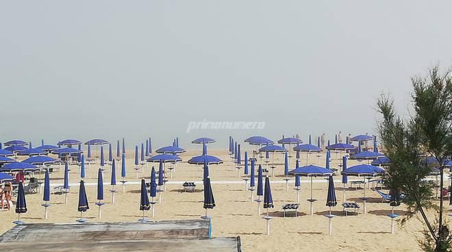 nebbia-spiaggia-meteo-151910
