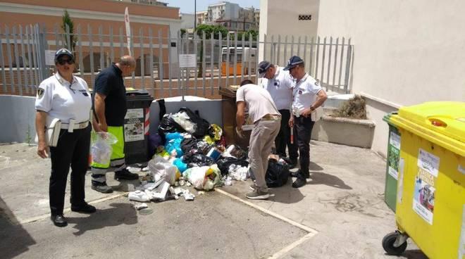 nucleo-ecologico-polizia-municipale-e-rieco-controllano-rifiuti-152278