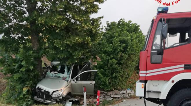 vigili-del-fuoco-incidente-bivio-matrice-152934